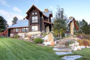 4-backyard - angled view