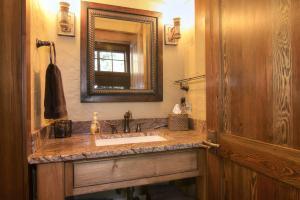 20-lower level bedroom bathroom
