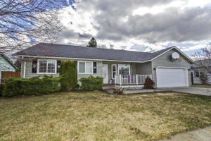 1134 Tanager Ave, Hayden, ID 83835