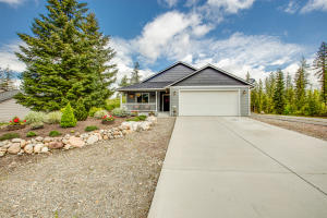 5011 W JEFFERSON ST, Spirit Lake, ID 83869