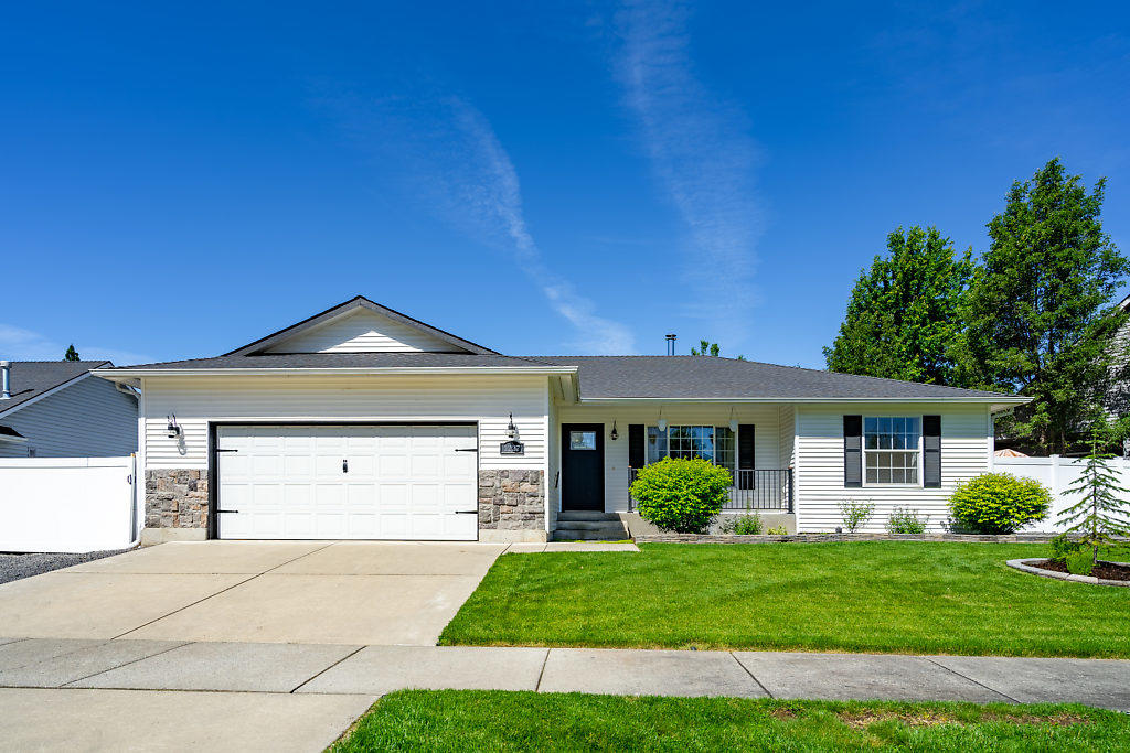 photo of 1227 W EDGEWOOD CIR Coeur d'Alene Idaho 83815