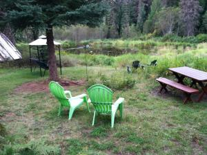 Front of cabin looking at pond