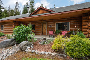 Beautiful Log Cabin Lodge