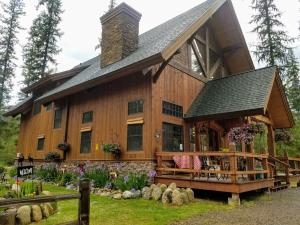 23 N Ryan Road, Priest Lake, ID 83856