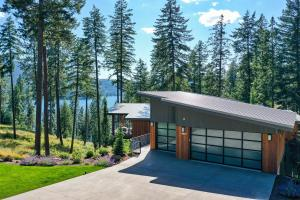 Beautiful contemporary home overlooking Mica Bay in Coeur d'Alene.