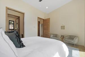 Eight foot wood doors welcome you throughout the house and into your master suite.