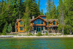 Priest Lake Waterfront Retreat