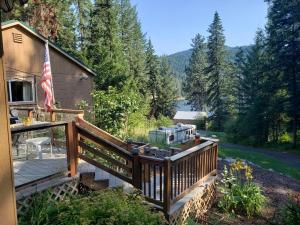 8957 W Twin Lakes Rd, Rathdrum, ID 83858
