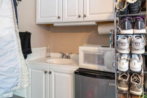 GUEST HOME KITCHENETTE