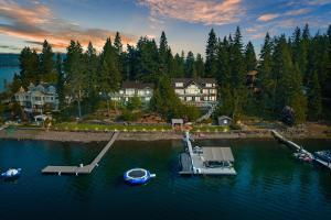Extraordinary CdA Lake Living