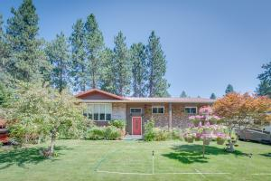 205 S Pinewood, Post Falls, ID 83854