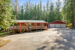 273 Martin Bay Loop, Sagle, ID 83860