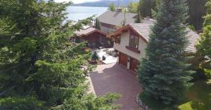 609 Lakeview Blvd, Sandpoint, ID 83864