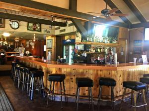 Sandbaggers Bar