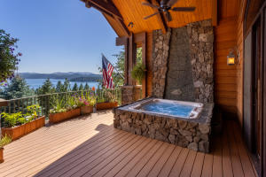 Secluded Lake View Hot Tub Area