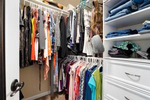 23Master closet-SMALL