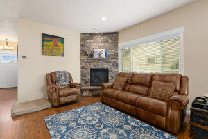 8Living Room-SMALL