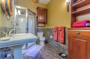 40Fullbathroom