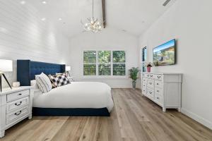 20Master bedroom-SMALL