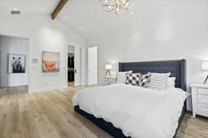 21Master bedroom-SMALL