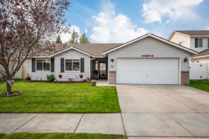 1241 N MOONSTONE ST, Post Falls, ID 83854