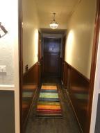 Hallway to bthrm