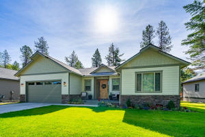 1105 Northview Dr, Sandpoint, ID 83864