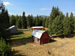 211 Pine View Ln, Spirit Lake, ID 83869