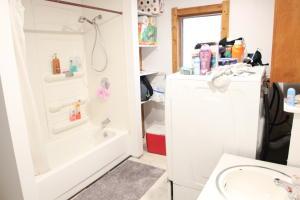 3BR unit-bathroom