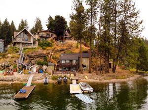 12815 N East Newman Lake, Newman Lake, WA 99025