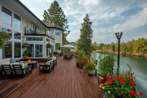 Amazing Deck!