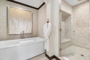 26 Master Bathroom.jpg-SMALL