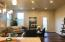 11' ceilings, living area