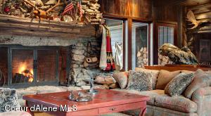 Ultra-fine furnishings & decor