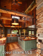 Gorgeous chef's kitchen