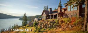 Sweeping lake & mountain views