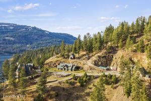 STORYBOOK MOUNTAIN ESTATE