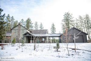 30915 S North Pine Creek, Spangle, WA 99031