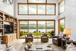 8 - Waterside Relisting - Living Room