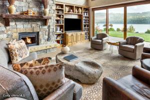 10 - Waterside Relisting - Living Room