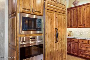 14- Waterside Relisting - Kitchen 3