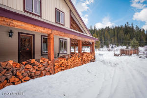 100 Lamb Creek Rd, Priest Lake, ID 83856