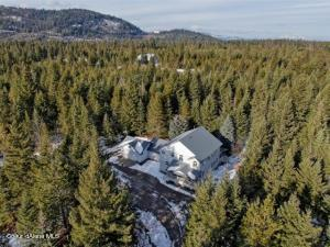 5027 W GHOST RIDER RD, Spirit Lake, ID 83869