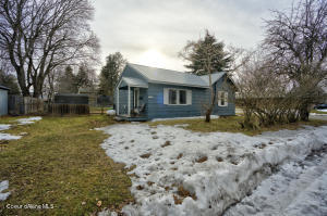 1323 W Lake St, Sandpoint, ID 83864
