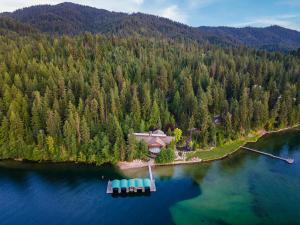 Main House & acreage aerial