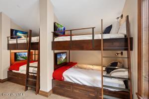 Bunk Room 8 Beds