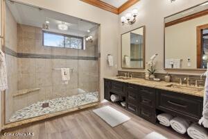 Guest Bedroom 2 Suite