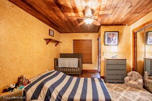 31_LL Bedroom_2