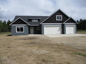 59 Tree Root Ct, Spirit Lake, ID 83869