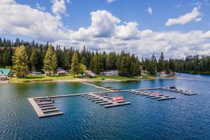 7562 W SPIRIT LAKE RD, #2, Spirit Lake, ID 83869